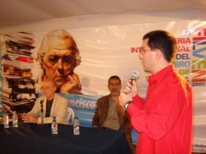 Con Víctor Álvarez y Jorge Arreaza en la presentación del libro Argentina como clave regional, Feria del libro, Caracas 2007
