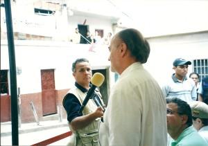 Exponiendo en Aló Presidente. Caracas, septiembre 2002