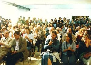 Publico-en-presentación-América XXI-Buenos-Aires-mayo-de-2002-psd